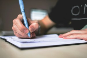 Bersihkan Surat Lamaran Kerja Anda