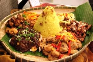 Nasi Tumpeng Makanan Khas Indonesia